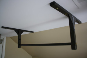 Stud Bar Pull Up Bar